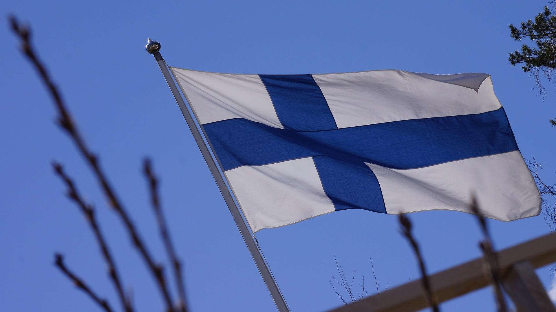 Thực tập thi lấy bằng cấp chính thức qua các ngôn ngữ –  Opetushallituksen järjestämät Ykitestit.